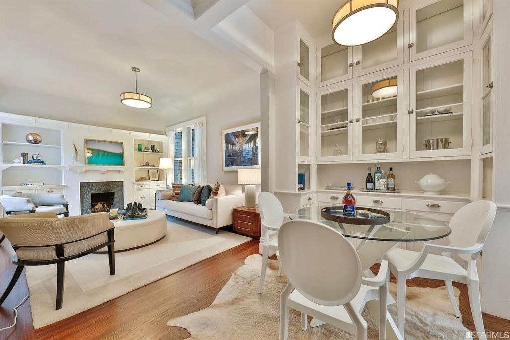 Stunning Flat w/Garden Views in Pacific Heights, San Francisco