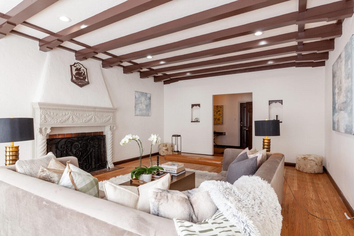 Villa-Like Home in Prestigious Baywood, San Mateo